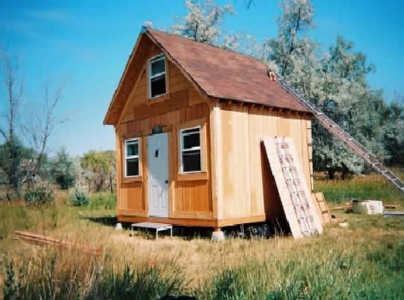amerikaner baute sich ein g nstiges eigenheim selbst. Black Bedroom Furniture Sets. Home Design Ideas