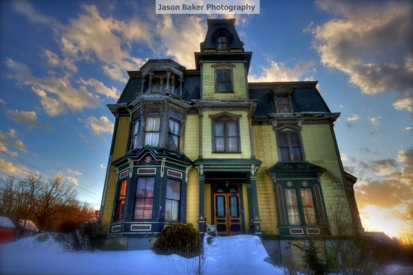 Diese villa von 1875 kannst du f r wenig geld kaufen doch for Viktorianisches haus
