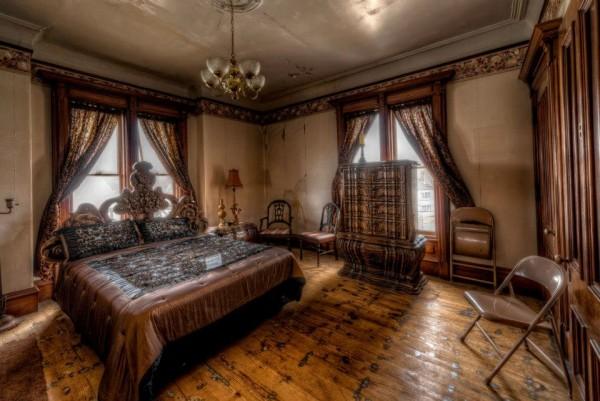 diese villa von 1875 kannst du f r wenig geld kaufen doch als ich das sah wurde mir hei und kalt. Black Bedroom Furniture Sets. Home Design Ideas