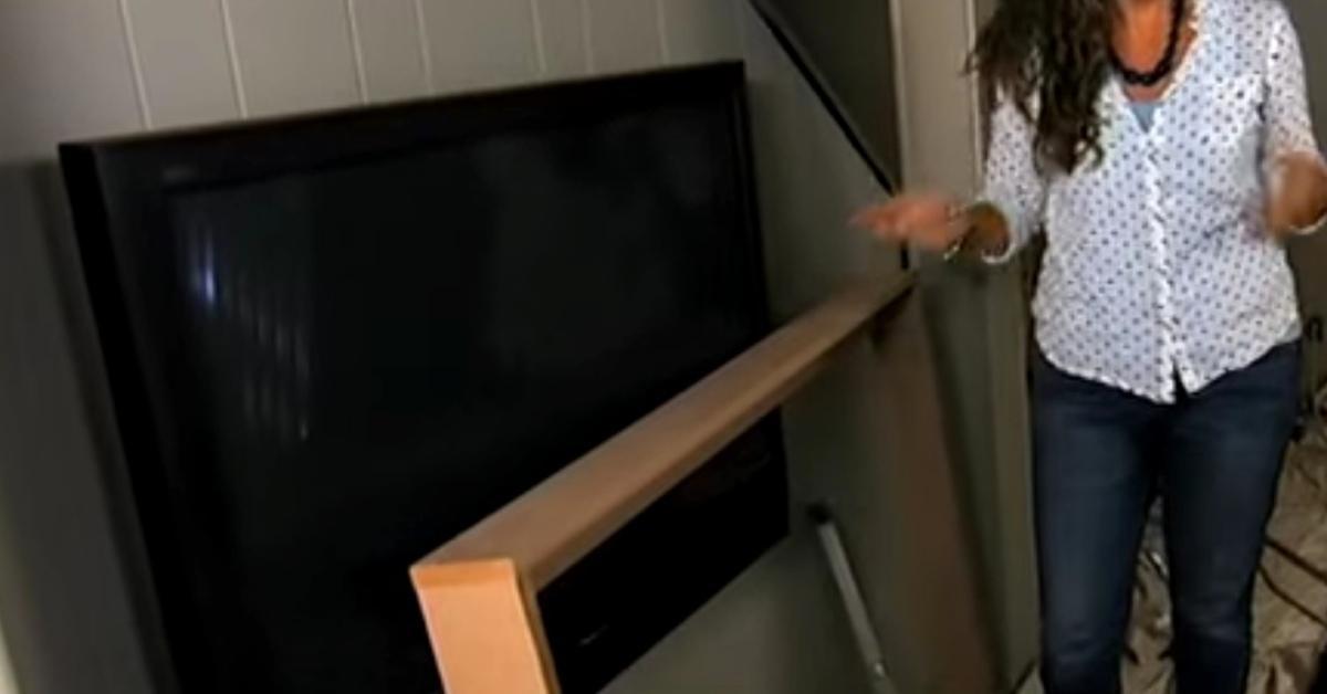wer einen flachbildfernseher an der wand hat muss sich. Black Bedroom Furniture Sets. Home Design Ideas