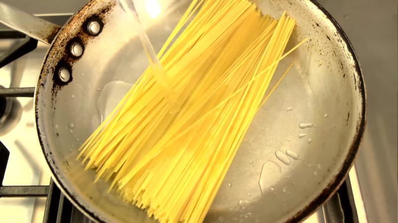 keine zeit verschwenden schneller pasta kochen dabei strom sparen. Black Bedroom Furniture Sets. Home Design Ideas