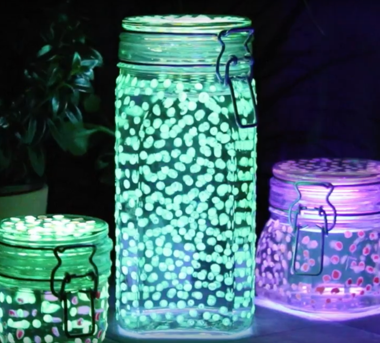 f r schlafm tzen und nachteulen leuchtglas mit funkelnden sternen. Black Bedroom Furniture Sets. Home Design Ideas