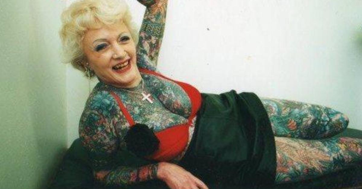15 Rentner zeigen, wie Tattoos im Alter aussehen.