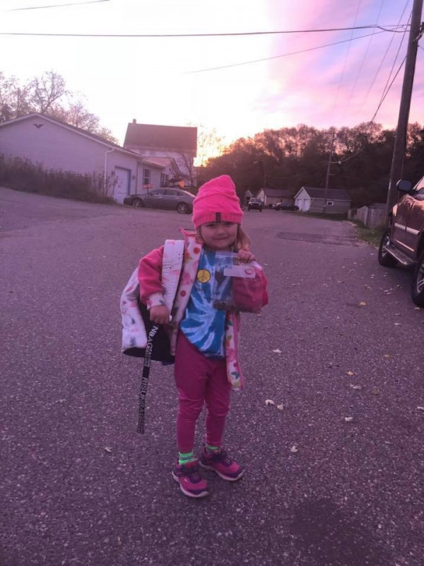 5-Jährige schlachtet Sparschwein für Klassenkameradin.