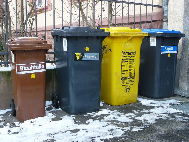 Mülltonnen Größe 3 Personen
