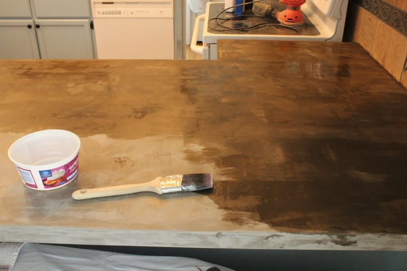 Günstiger Beton-Trick bringt Charakter in die Küche.