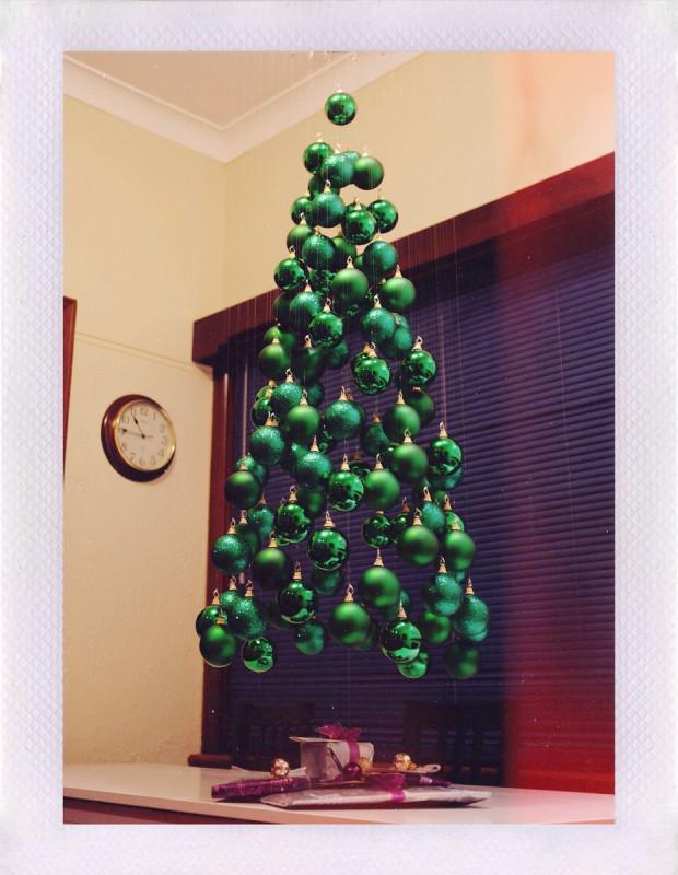 weihnachtsbaum mal anders lustige ideen f r die weihnachtsfeiertage. Black Bedroom Furniture Sets. Home Design Ideas