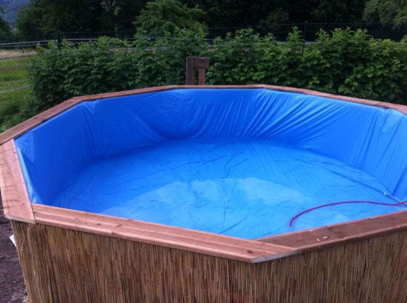 Berühmt Dieser Pool wurde aus alten Paletten gebaut. EJ25