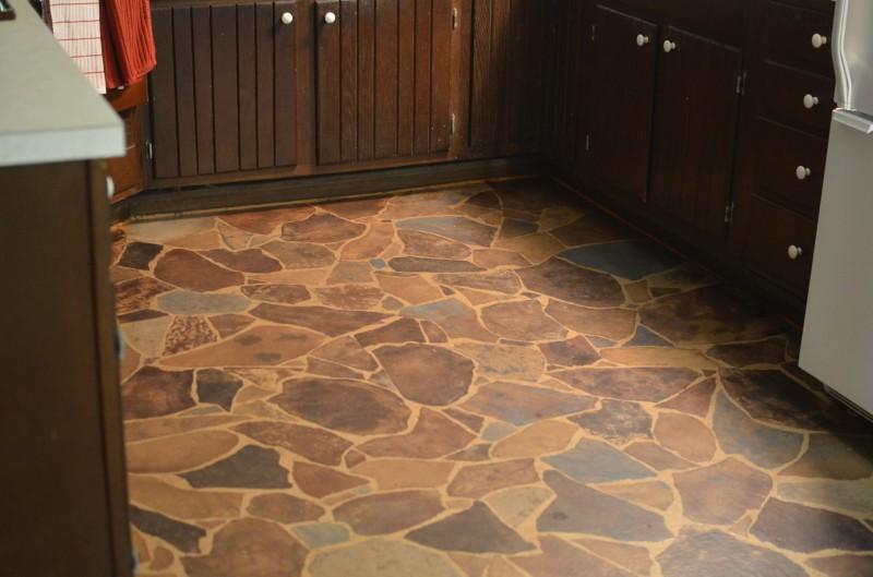 3d Tapete Fußboden ~ Geniale idee ein fußboden aus packpapier