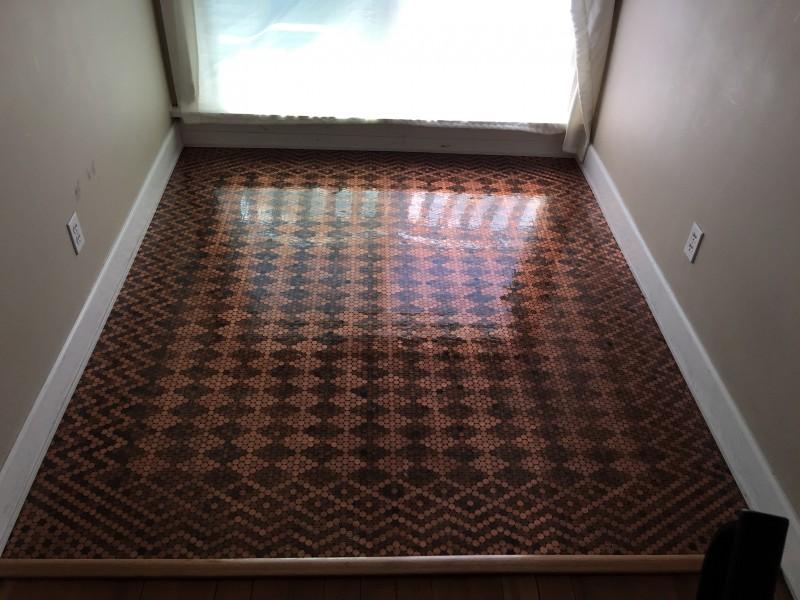 Fußboden Aus Pennys ~ Edler fußboden aus 3 säcken kleingeld.