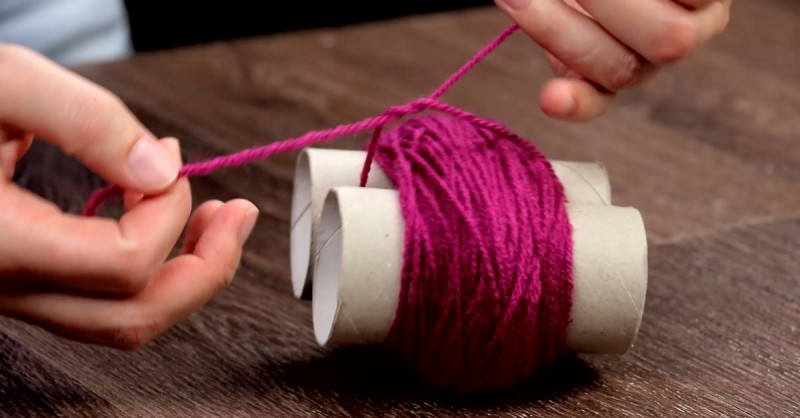 Flauschig Bastle Aus Klopapierrollen Und Wolle Einen