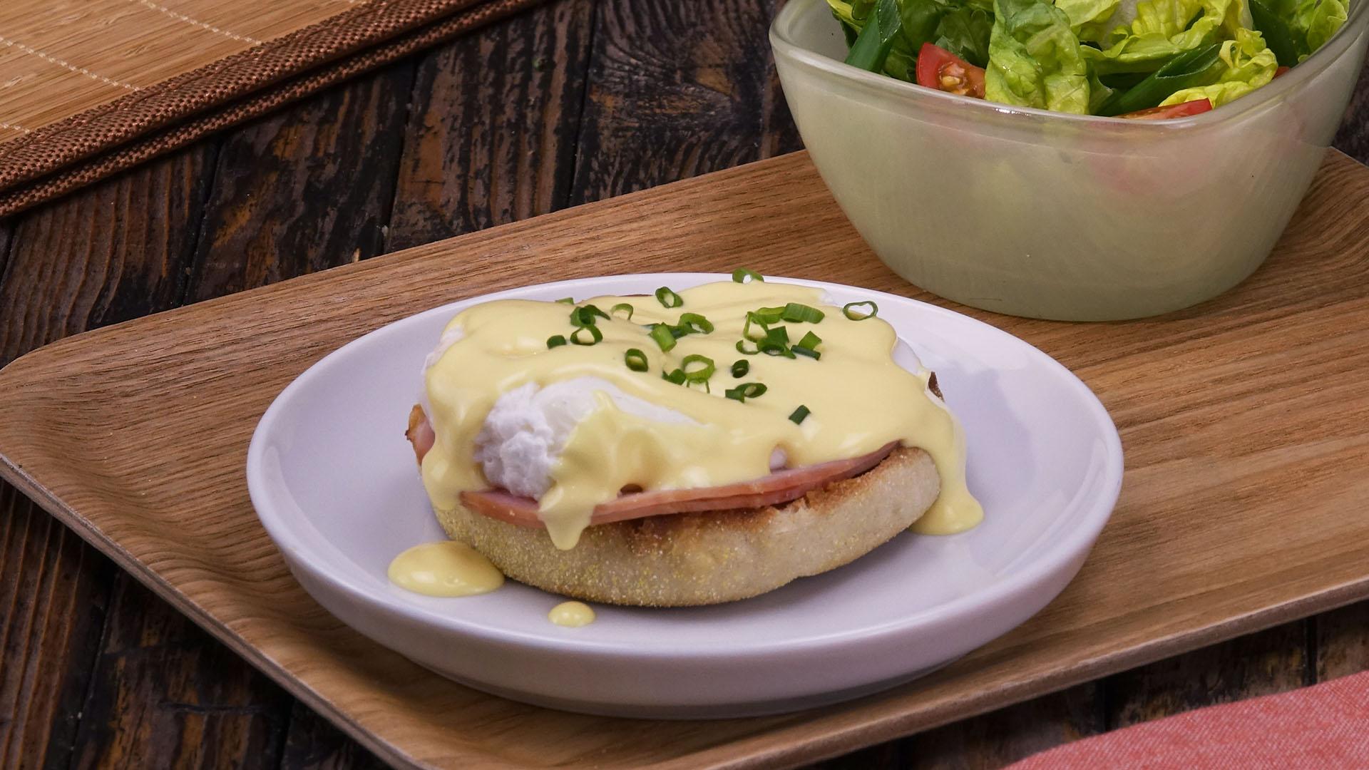 Gehaltvoll edel eier benedict auf toastbr tchen mit kasseler - Eier hart kochen ohne anstechen ...