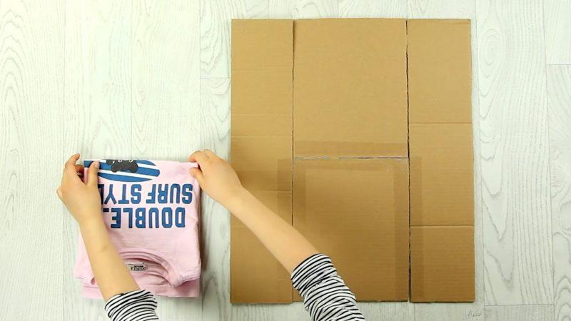 astuce carton pour plier t-shirt