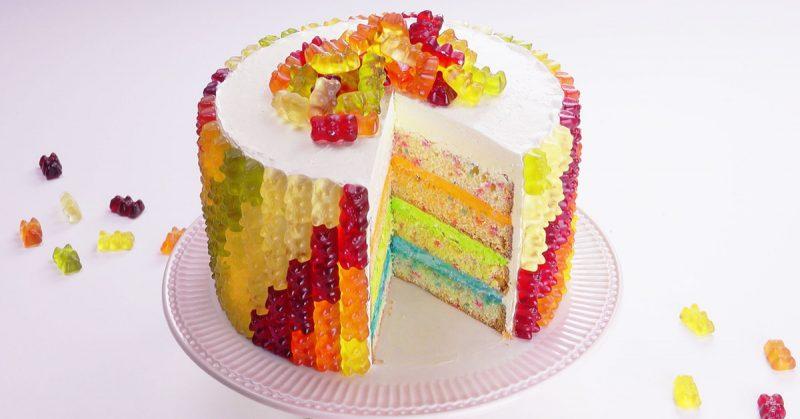 Kunterbunte Torte Mit Gummibaren